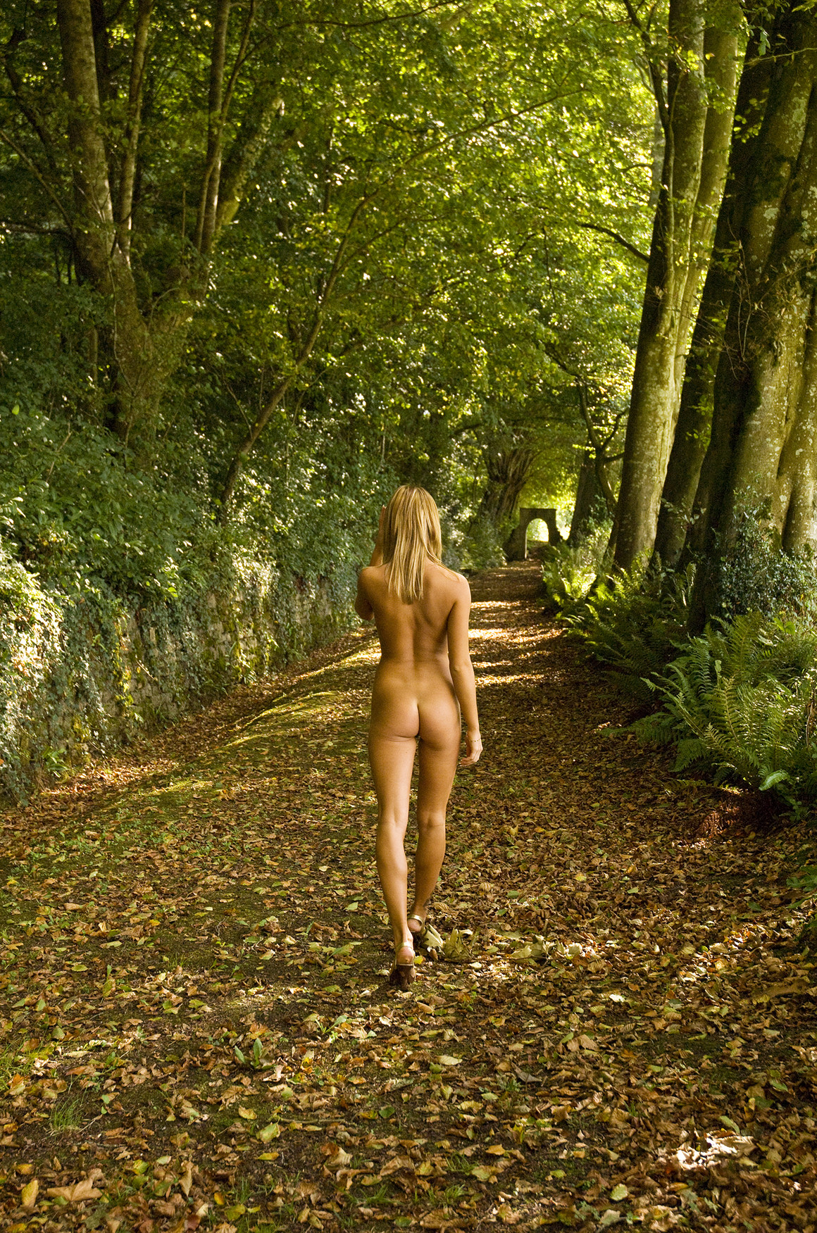 Pictures Naked Women In Woods