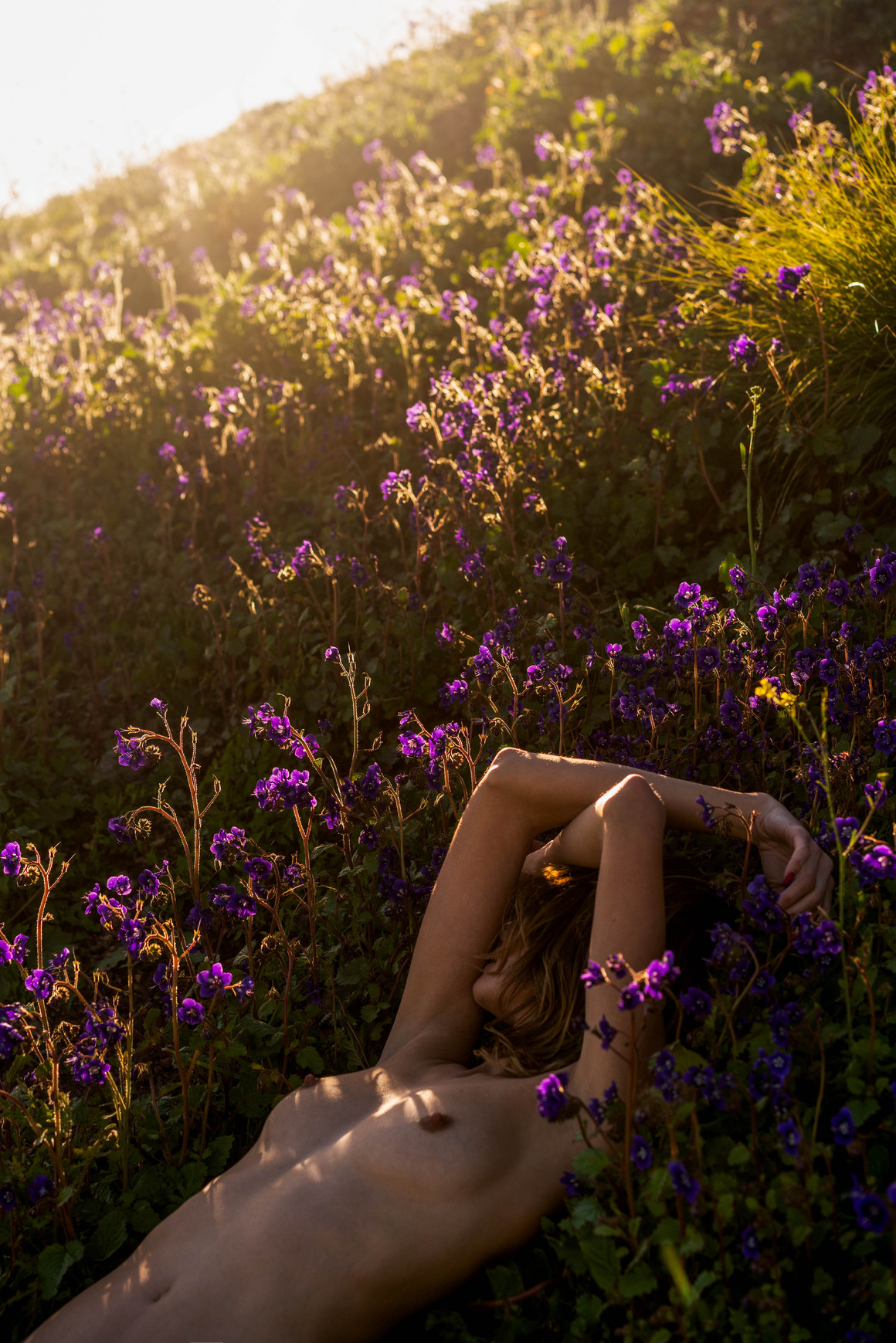 Lara in the flowers